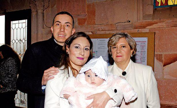 Celebran el bautismo de María Fernanda