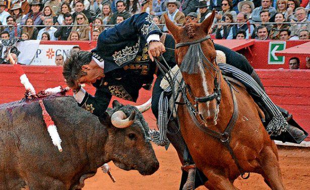 Hermoso de Mendoza triunfó en el coso de Juchipila