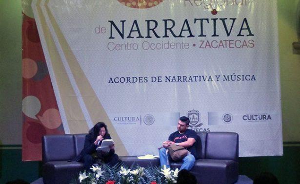 Jóvenes escritores comparten lectura en voz alta