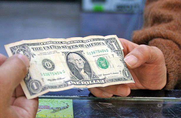 Mantiene dólar retroceso, se coloca hasta en $19.15 a la venta en la CDMX