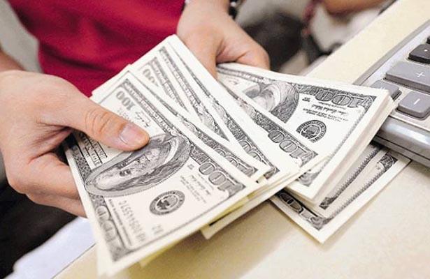 Dólar alcanza 19.11 pesos a la venta en bancos de la Ciudad de México