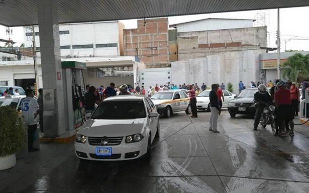 Integrantes de la CNTE toman 10 gasolineras en Chiapas