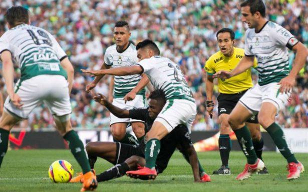 Santos vence 3-2 al Monterrey y recupera el liderato general