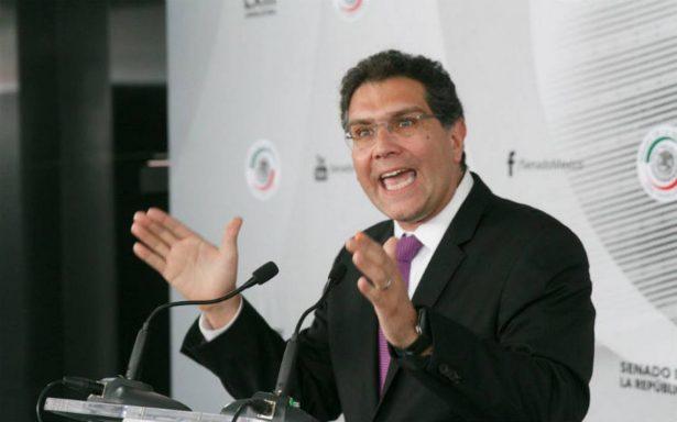 Ríos Piter va por más firmas para afianzar lugar en la boleta presidencial