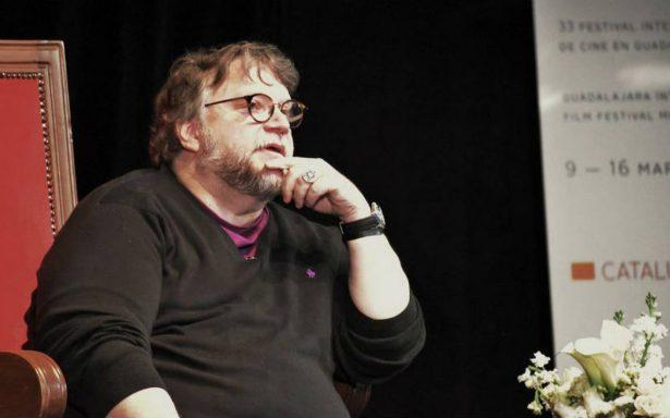 Del Toro, ovacionado en la segunda Master Class en el FICG33  Si México quiere reaccionar a mi éxito, mejor que destine presupuesto: Del Toro