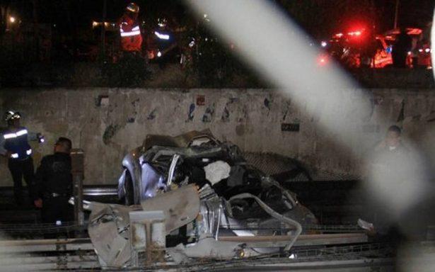 Procuraduría investiga auto que voló a las vías del Metro de la CDMX