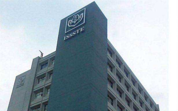 Director del ISSSTE garantizan pago de pensiones y que no se privatiza