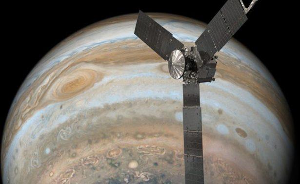 Reporta NASA el descubrimiento de un posible volcán en luna de Júpiter