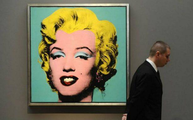 A subasta en México, imagen de Marilyn Monroe firmada por Andy Warhol
