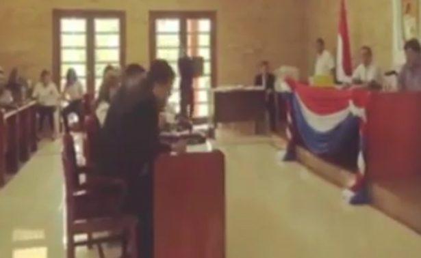 Incómodo video sorprende en plena sesión a concejal de Paraguay