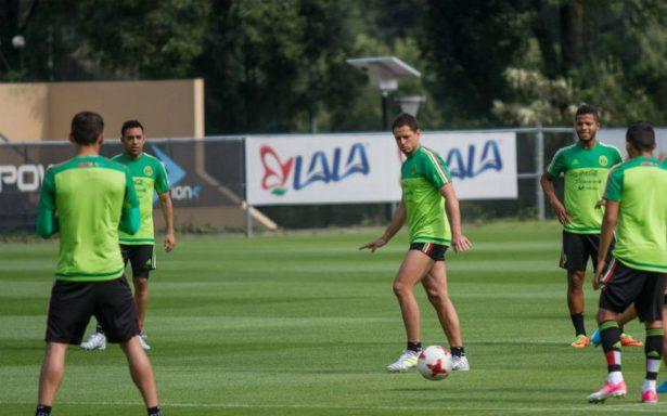 """""""Chicharito"""" y Lozano, bajas del Tri para juego ante Honduras"""