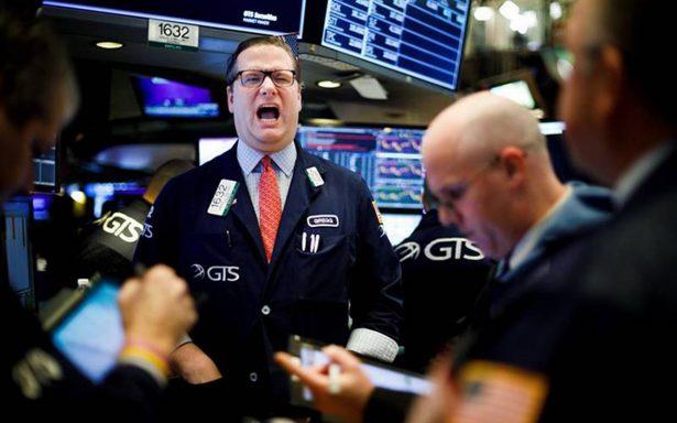Wall Street cierra con ganancias tras medidas arancelarias firmadas por Trump