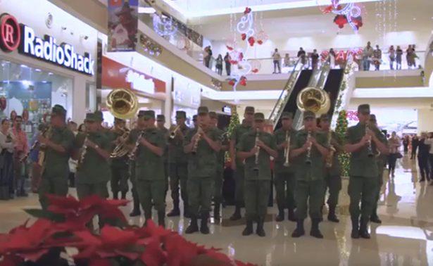 Militares hacen flashmob en plaza de Zacatecas