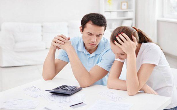 Malos hábitos financieros amenazan a la economía familiar
