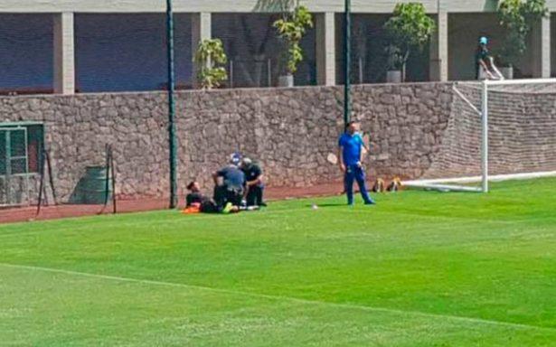 """Sigue la mala racha para """"Gullit"""" Peña: se lesiona en entrenamiento del Cruz Azul"""