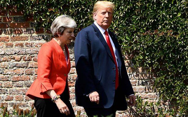 En medio de protestas, Trump se reúne con Theresa May en Reino Unido