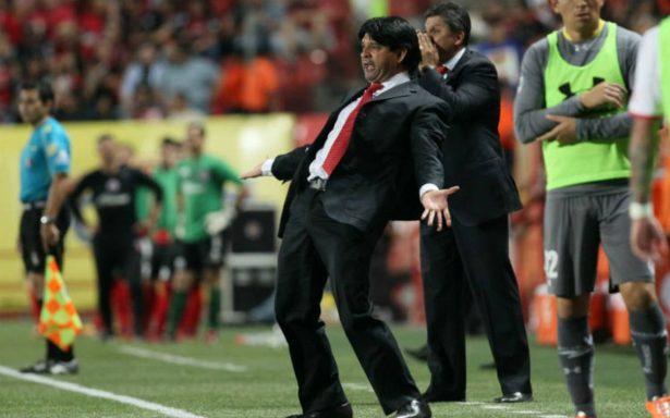 José Saturnino Cardozo llega a Chivas como nuevo técnico