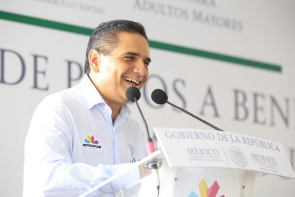 Habría consulta si el gobernador busca candidatura del PRD a la presidencia