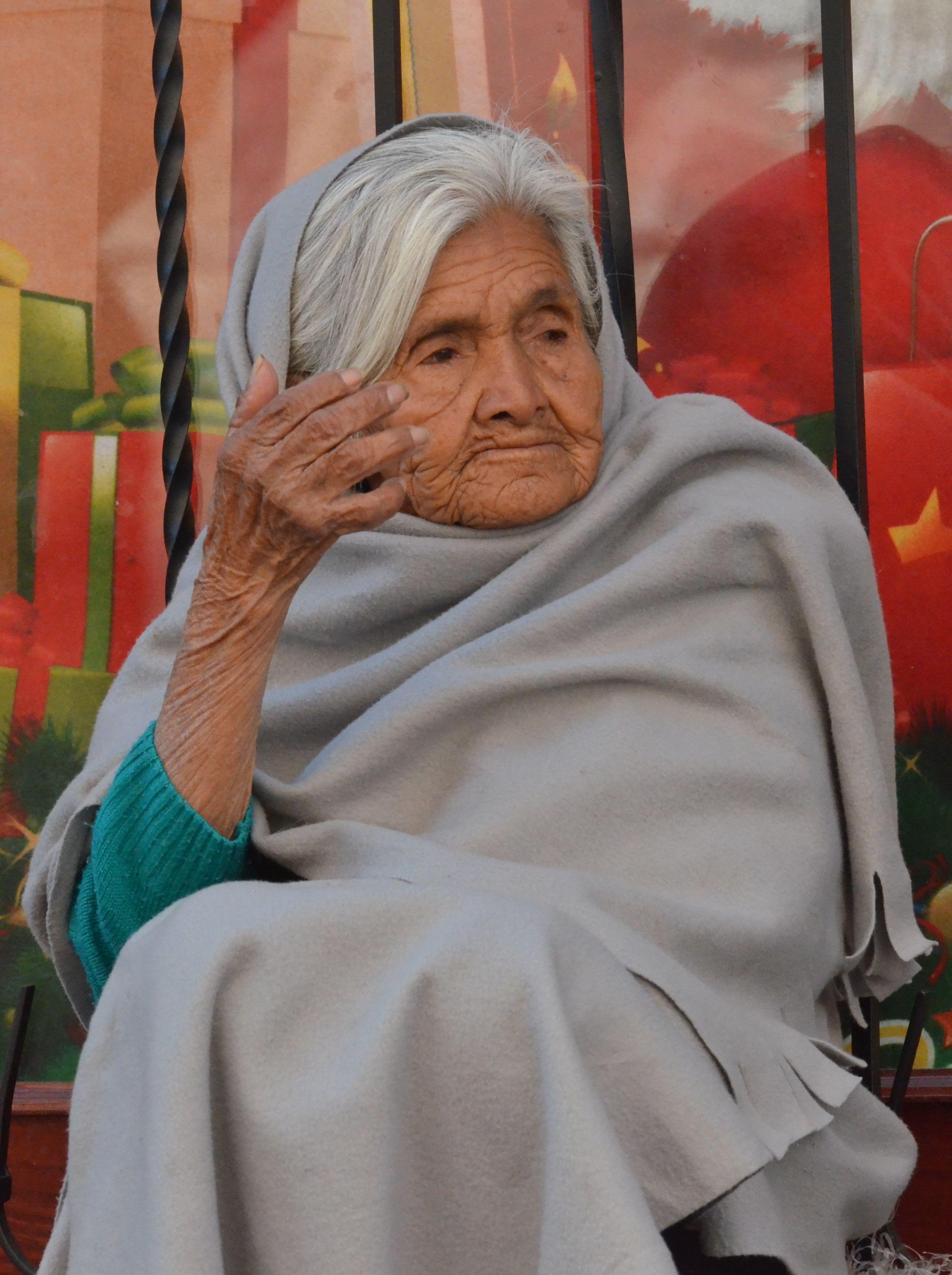 Adultos mayores sufren abandono familiar el sol de zamora - La casa vieja del abuelo ...