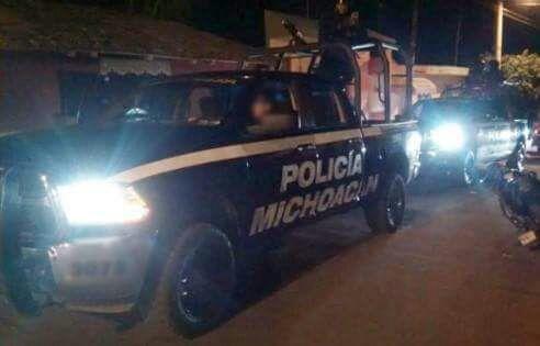 Atacan a balazos a la Policía municipal de Ecuandureo