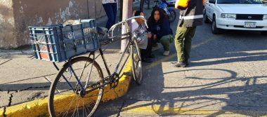 Camioneta embiste a ciclista