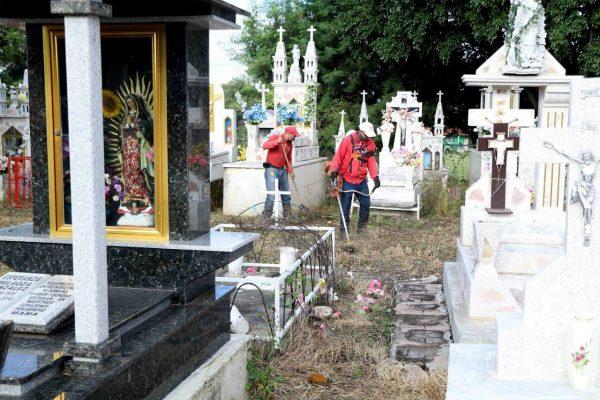 El 31 de octubre terminan la limpieza de panteones