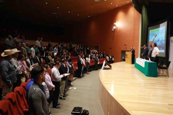 Los jóvenes son el futuro de la economía del país: JCLG