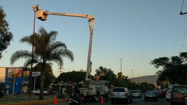 Reparan y sustituyen 150 lámparas