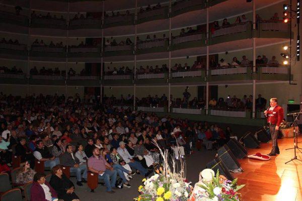 Un éxito, Festival del Mariachi