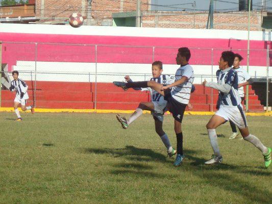 Golea Deportivo El Carmen