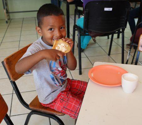 Beneficiadas, más de 5 mil personas con Espacios de Alimentación