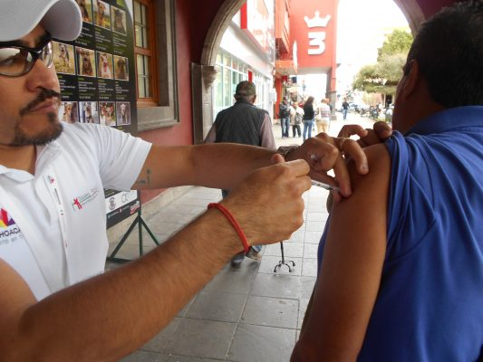 Aplicadas, 62 mil vacunas contra la influenza: JMAV