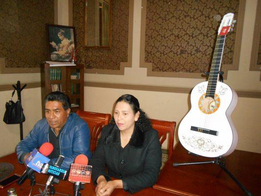 """Reconocimiento al creador de la guitarra que aparece en """"Coco"""""""