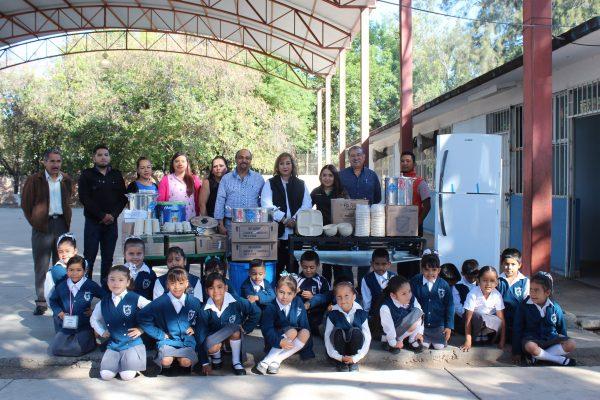 Entrega DIF Zamora reequipamientos para Desayunos Escolares