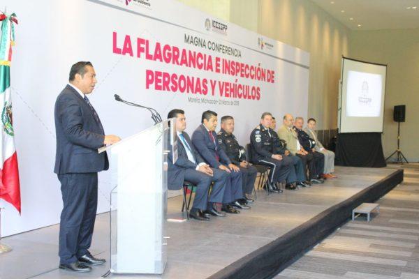 Imparte IEESSPP conferencia sobre la inspección de personas y vehículos