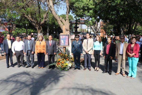 Gobierno Municipal y Zona Escolar 005 conmemoraron CCXII Aniversario del Natalicio de Benito Juárez