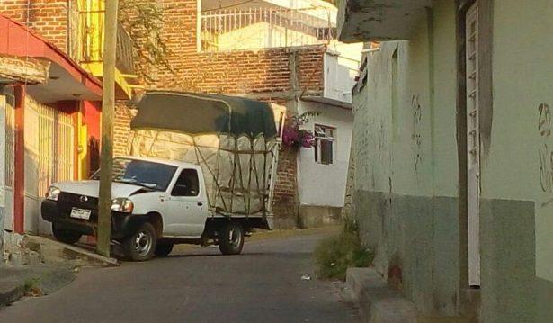Balean una camioneta en Jacona