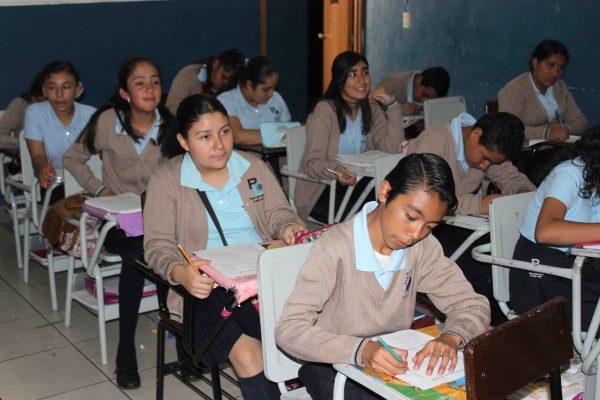 """Celebran el Día Mundial del Libro En Secundaria """"Pablo Latapí"""""""