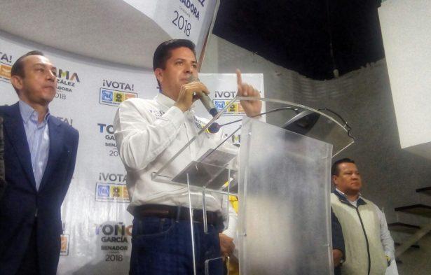 Descarta García Conejo dejar su candidatura al Senado por el Frente
