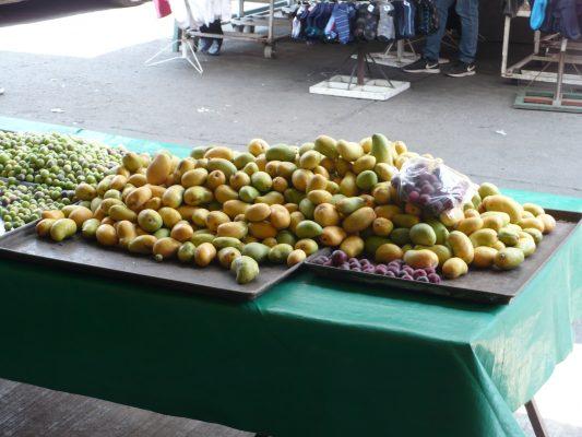 Inestabilidad económica y social afecta ventas en mercados