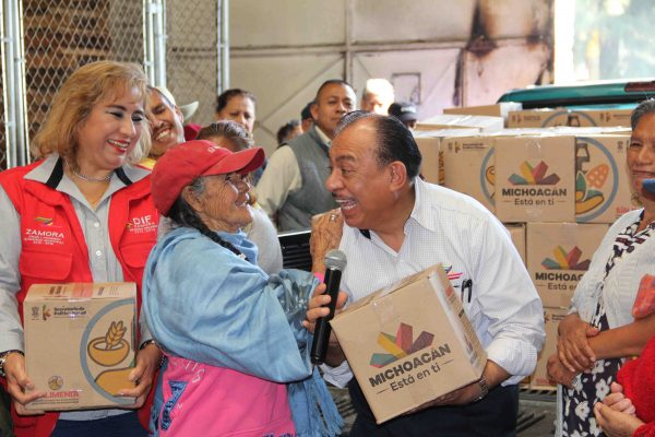 Alimentos a más de 3 mil personas: Lugo