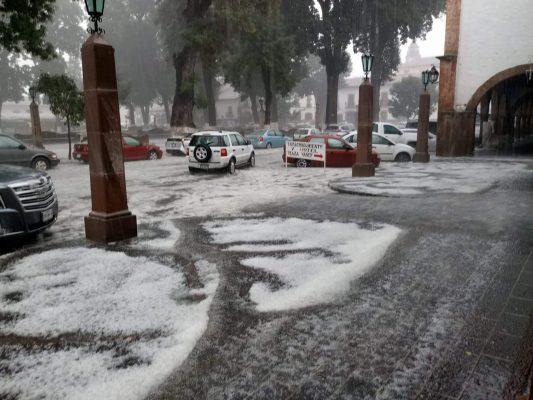 Patzcuaro se viste de blanco después de una granizada