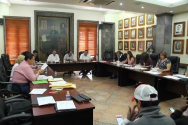 Gobierno Municipal transparenta licitaciones en adquisiciones
