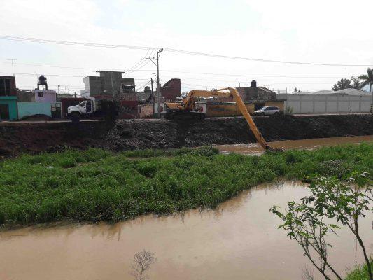 Avance de 90% en limpieza drenes y canales del municipio