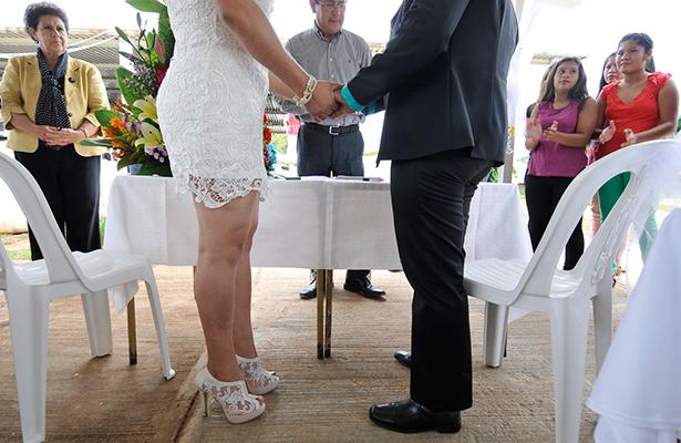 Proponen que edad mínima para matrimonio sea 18 años