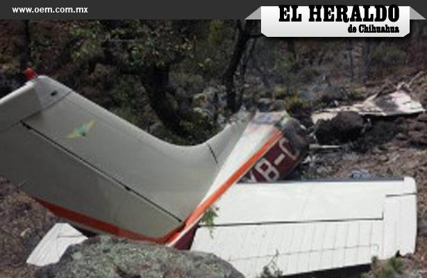 Colapsa avioneta, hay 4 muertos