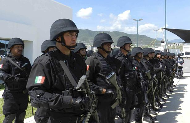 Policías disparan a Federales encubiertos, un muerto