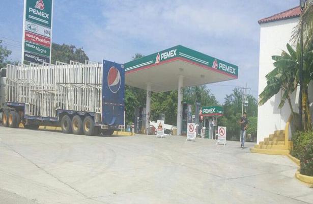 Puerto Escondido se queda sin gasolina