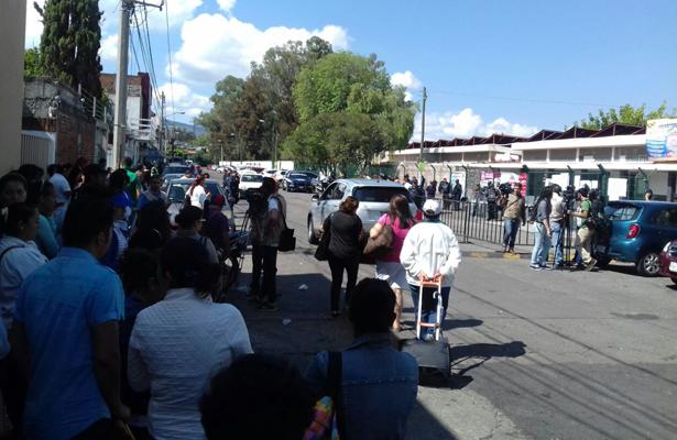 CNTE llega a módulos de pago a maestros, en Morelia
