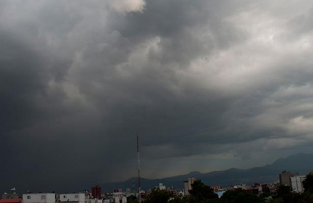 Habrá cielo medio nublado y lluvia ligera en CDMX
